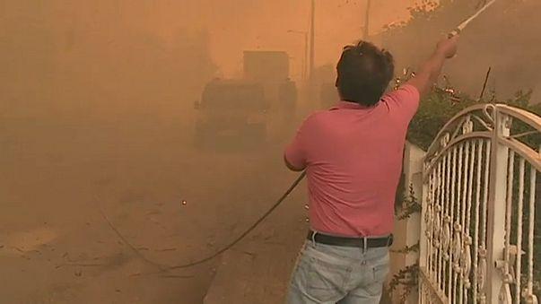 Seca extrema no país alimenta fogos