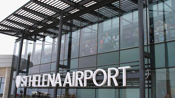 St. Helena: Ein Flughafen im Nichts