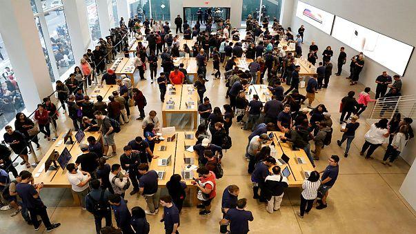 ايفون 7 يتفوق على ايفون 8 في نسبة المبيعات