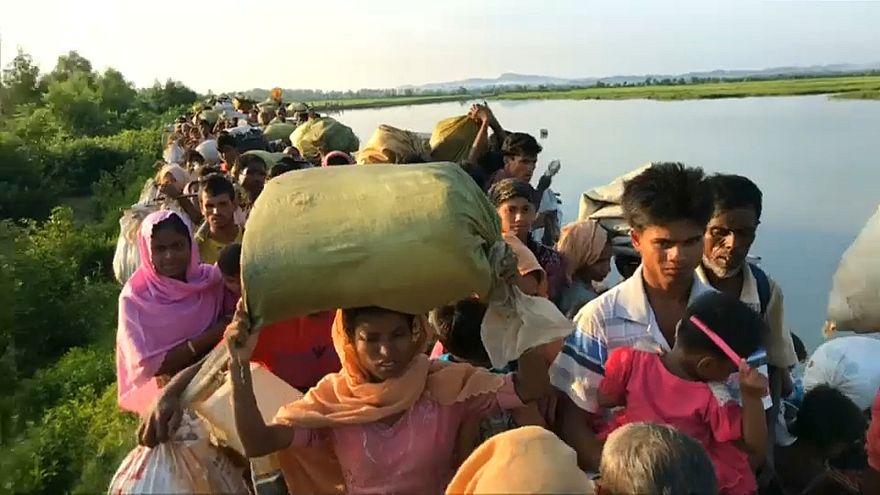 Des milliers de Rohingyas continuent de fuir la Birmanie