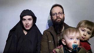 الرهينة الكندي السابق في أفغانستان يكشف عن سر إنجابه أطفالا في الأسر ورأيه في فوز ترامب