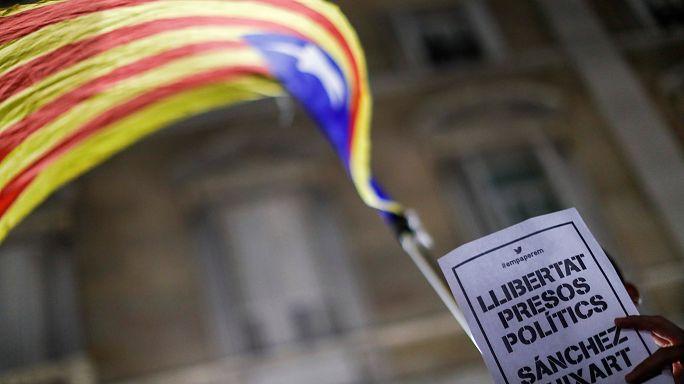 İki Katalan liderin tutuklanmasına tepkiler sürüyor