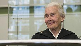 ستة أشهر سجنا لعجوز ألمانية أنكرت المحرقة النازية
