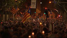 Miles de independentistas piden la excarcelación de Cuixart y Sánchez en Barcelona