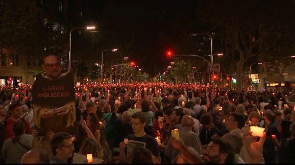 Tömegdemonstráció a katalán függetlenség mellett