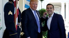 O Αλέξης Τσίπρας και ο... «διαβολικός» Τραμπ! - BINTEO