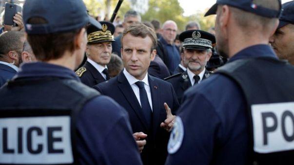 """Emmanuel Macron détaille sa politique de sécurité dans un discours """"fondateur"""""""