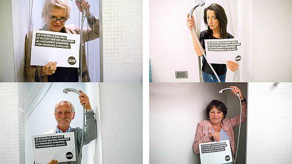 Politiker posieren in der Dusche: Warum?