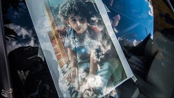 پدیدۀ آزار جنسی کودکان در ایران؛ اهورا ۲/۵ ساله و قربانی تجاوز به خاک سپرده شد