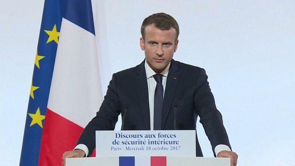 Macron: contro il terrorismo l'UE deve fare di più