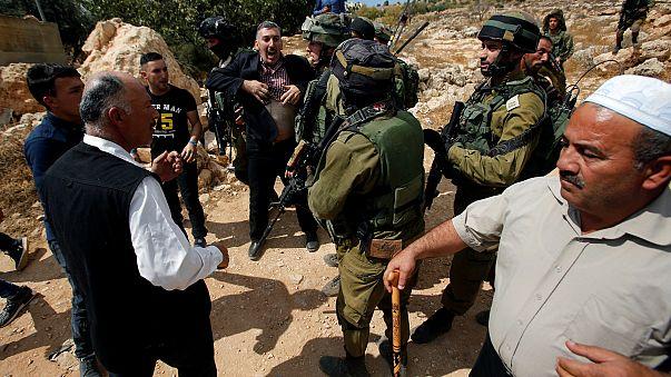 Yahudi yerleşimciler Filistinlilerin zeytinlerini çaldı