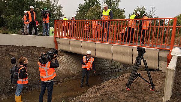Dünyanın üç boyutlu yazıcıyla yapılan ilk köprüsü açıldı