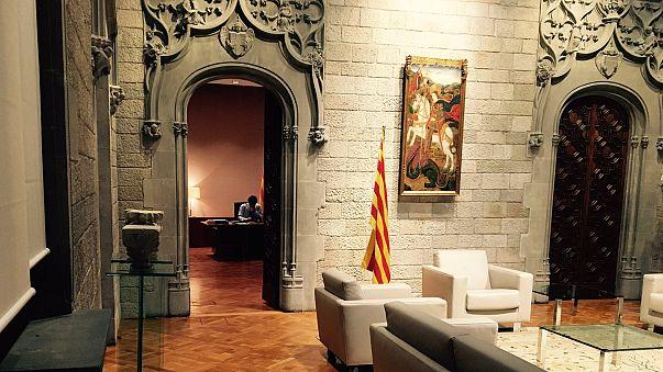 Мадрид приостановит автономию Каталонии
