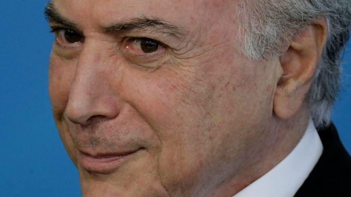 Comissão rejeita acusação contra Michel Temer
