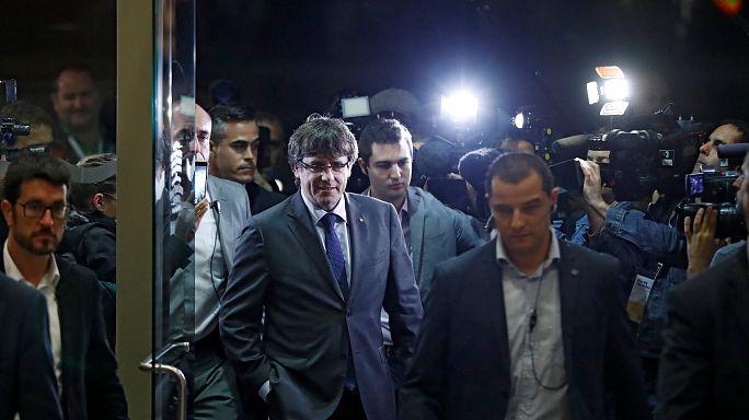 Μαδρίτη: «Αναστέλλoυμε την αυτονομία της Καταλονίας»