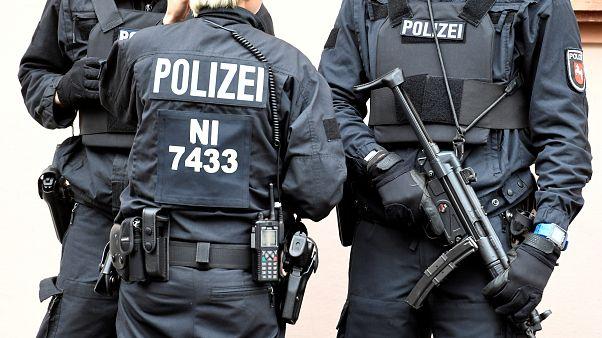 """مخبر ألماني يشجع متشددين إسلاميين على تنفيذ """"اعتداءات إرهابية"""""""