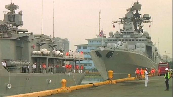 """Filippine, armi e veicoli militari in """"regalo"""" da Mosca"""