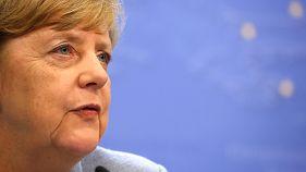 Μέρκελ: Να κλείσει η στρόφιγγα των χρημάτων προς την Τουρκία