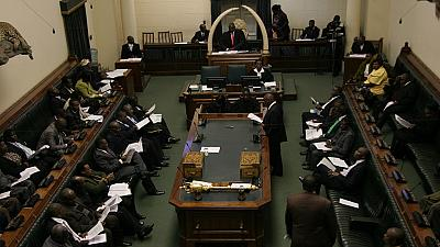 Zimbabwe MPs display rare unity in protest against unpaid allowances