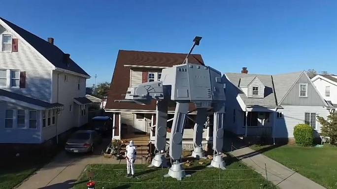 """""""Star Wars"""" im Vorgarten"""