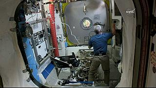 Astronotların zorlu yürüyüşü