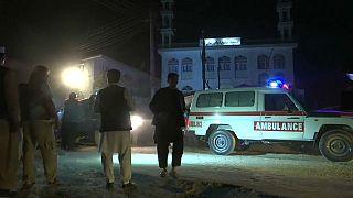 مقتل 72 شخصا على الأقل في هجومين على مسجدين في أفغانستان