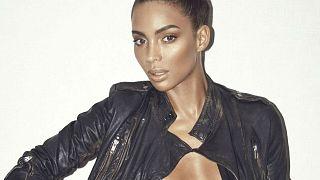 Playboy fait poser sa première playmate transgenre