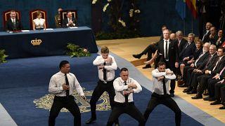 Los All Blacks sorprenden en Campoamor con su tradicional 'Haka'