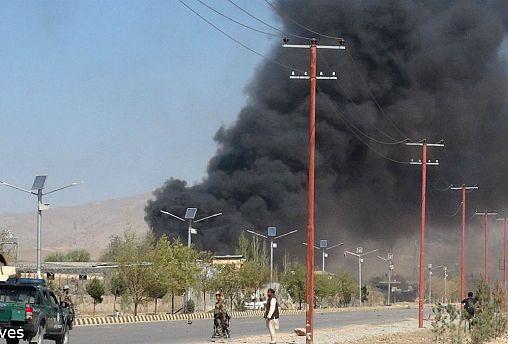 کشته شدن پانزده افسر ارتش افغانستان در حمله انتحاری
