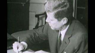 """Trump: """"Apertura dei files relativi all'omicidio Kennedy"""""""