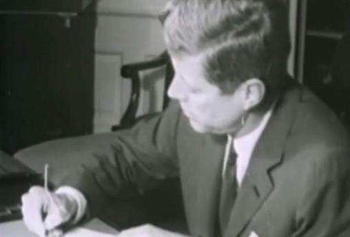 Trump decide desclasificar miles de documentos relacionados con el asesinato de J. F. Kennedy