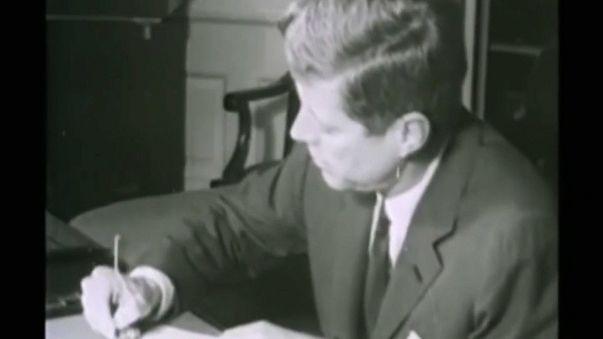 Trump anuncia divulgação de novos documentos sobre assassinato de Kennedy