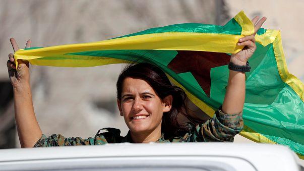 """""""قسد"""" تسيطر على حقل نفطي رئيسي شرق سوريا"""