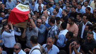 تشييع جثامين رجال شرطة مصريين قتلوا في هجوم الواحات
