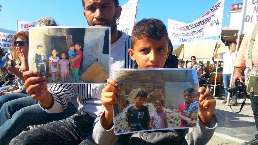 Grecia: a Samo migranti e cittadini protestano contro il governo
