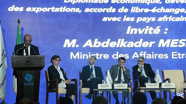 """أزمة """"الحشيش"""" بين المغرب والجزائر تنتقل إلى مواقع التواصل"""