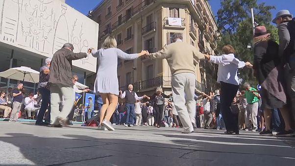 """La """"sardane"""" dansée à Barcelone"""