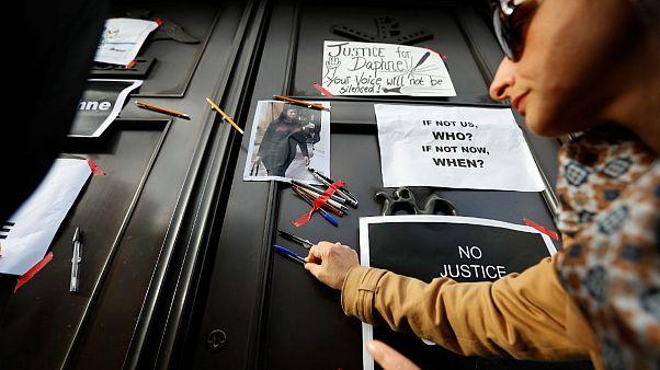 Piden dimisiones en Malta por el asesinato de Daphne Caruana