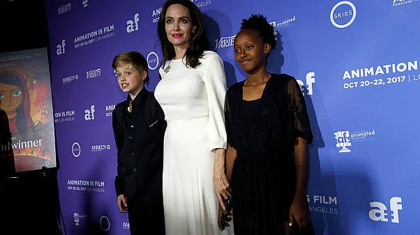 Η Τζολί και οι κόρες της