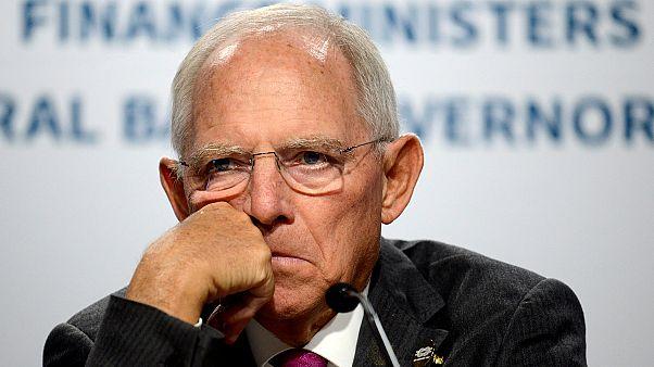 Σόιμπλε: «Δεν διέταξα τους Έλληνες να κόψουν τις συντάξεις»