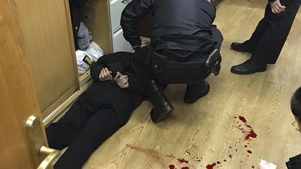 Nyakon szúrták az orosz ellenzéki műsorvezetőt
