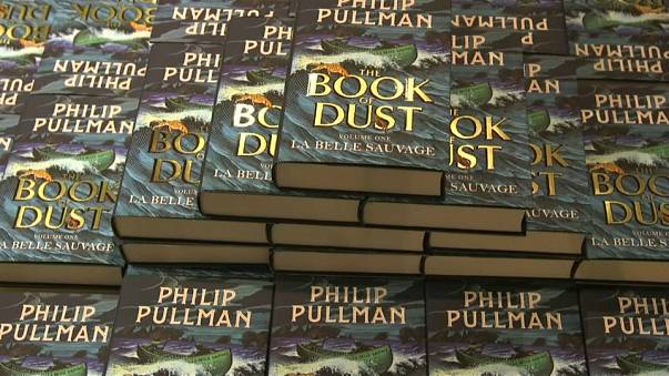 "Fans delighted with Pullman's return & ""La Belle Sauvage"""