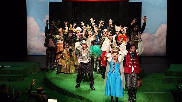 «Ο πρίγκιπας Ιβάν και το πουλί της φωτιάς»: Η νέα όπερα για παιδιά της Λυρικής Σκηνής