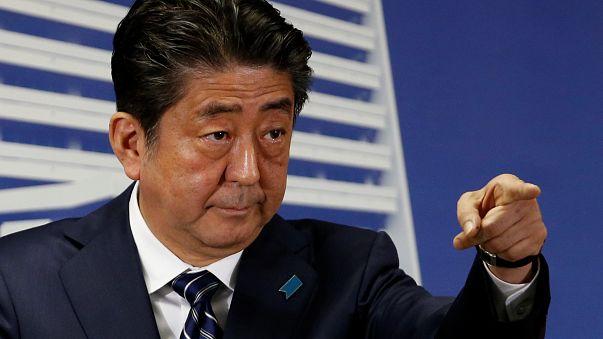 Il sogno proibito del premier giapponese Shinzo Abe