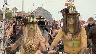Miles de zombis toman las calles de Key West