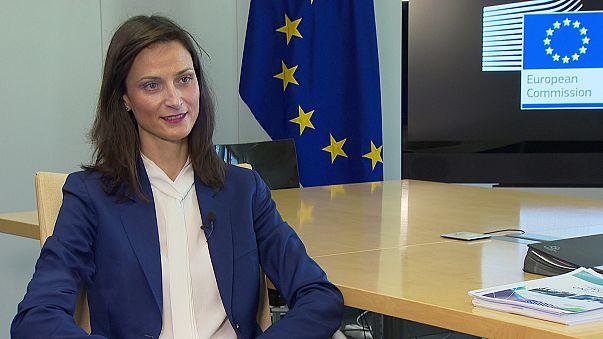 EU-Kommissarin zu Gefahren und Möglichkeiten des Cyberspace