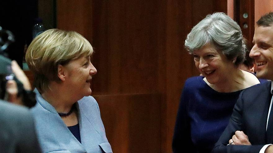 Merkel furiosa por las filtraciones de la cena de May y Juncker