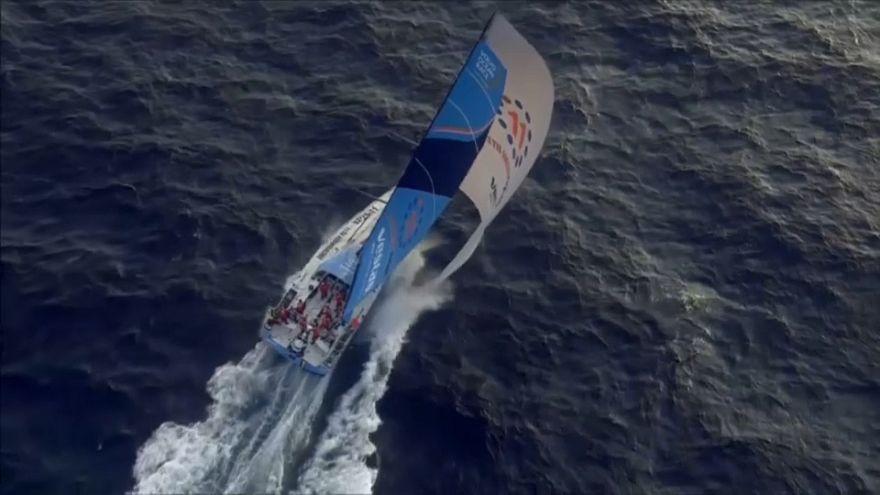 La flotte de la Volvo Ocean Race passe Gibraltar