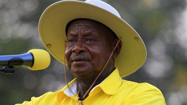 مكافآت مالية للنواب الذين يدعمون تمديد حكم الرئيس الأوغندي
