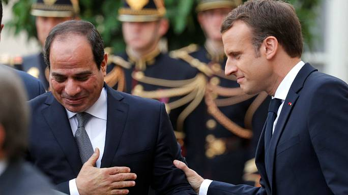 Macron Sisi'ye alçak gönüllülük gösterdi